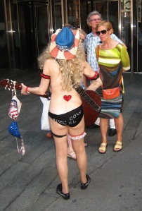 NakedCowgirlTimesSquare071813 (2)