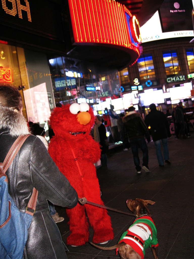 ElmoConfronted-TimesSquare (2)