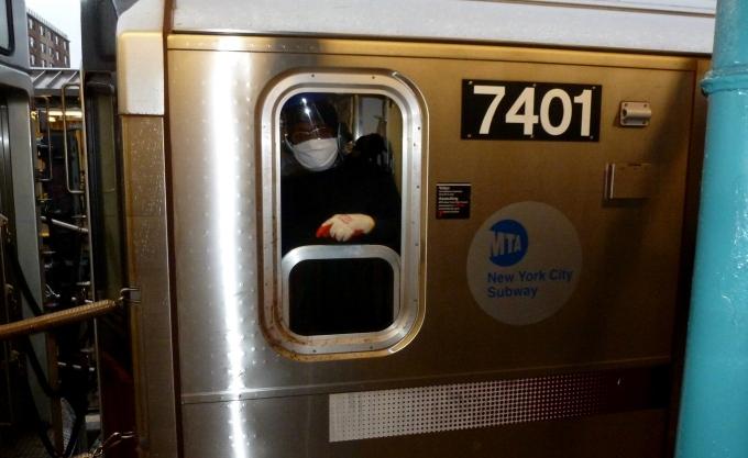 MTA-SubwayWorker